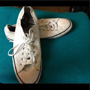 White converse tennis shoes